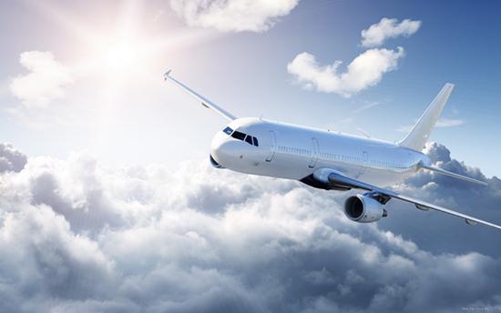 Самолет-и-облака